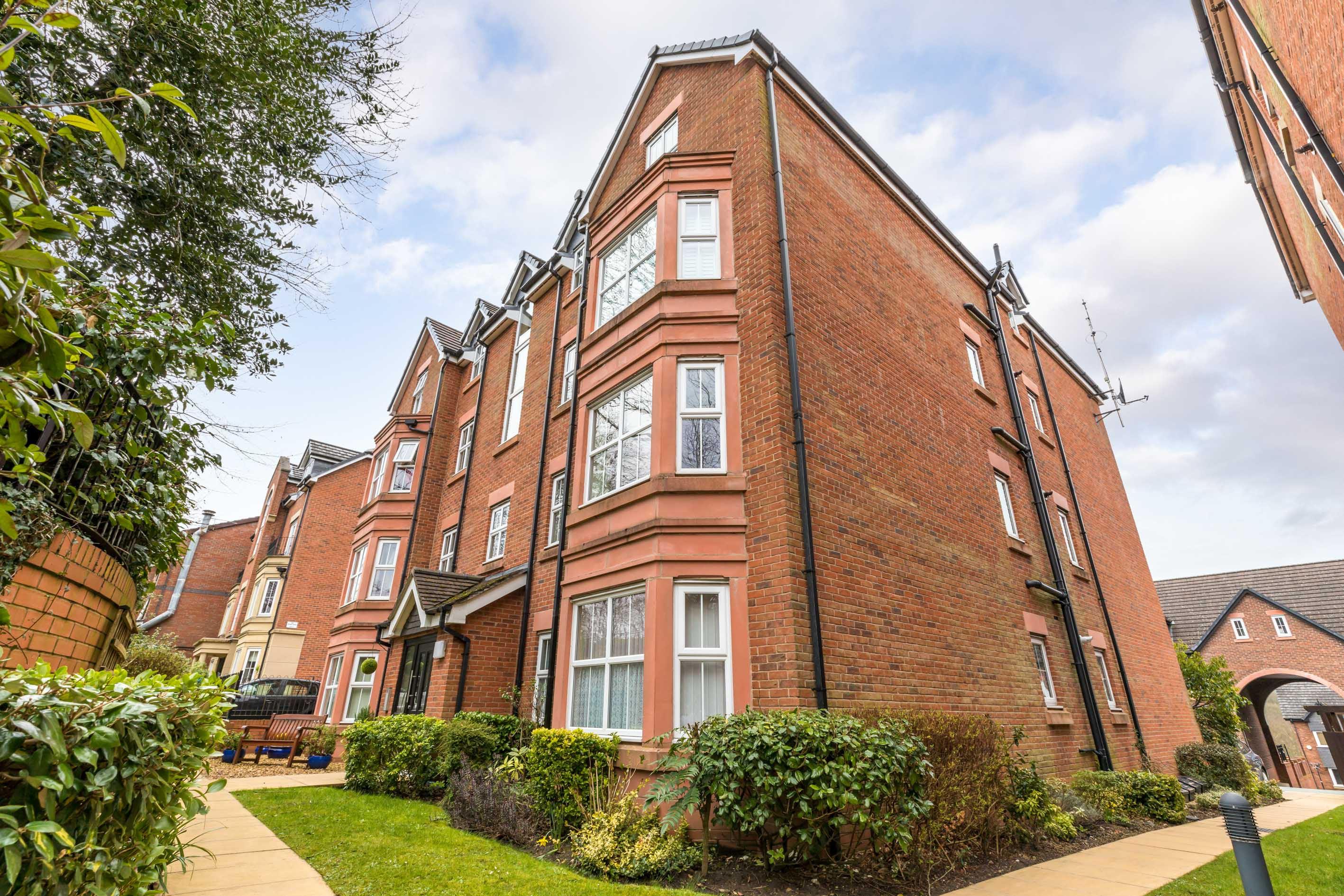 Apartment 4, Wigan Road, Standish, WN1 2RF - EAID:Regan Hallworth, BID:Regan & Hallworth- Wigan