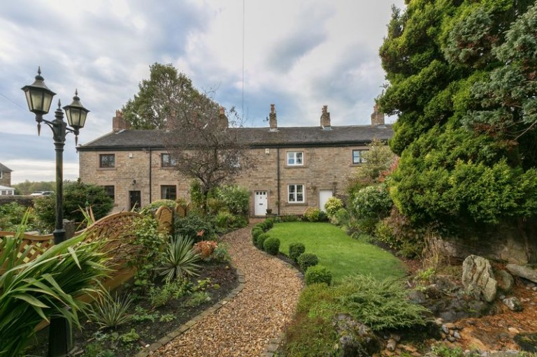 Stunning grade II listed cottage on the market.